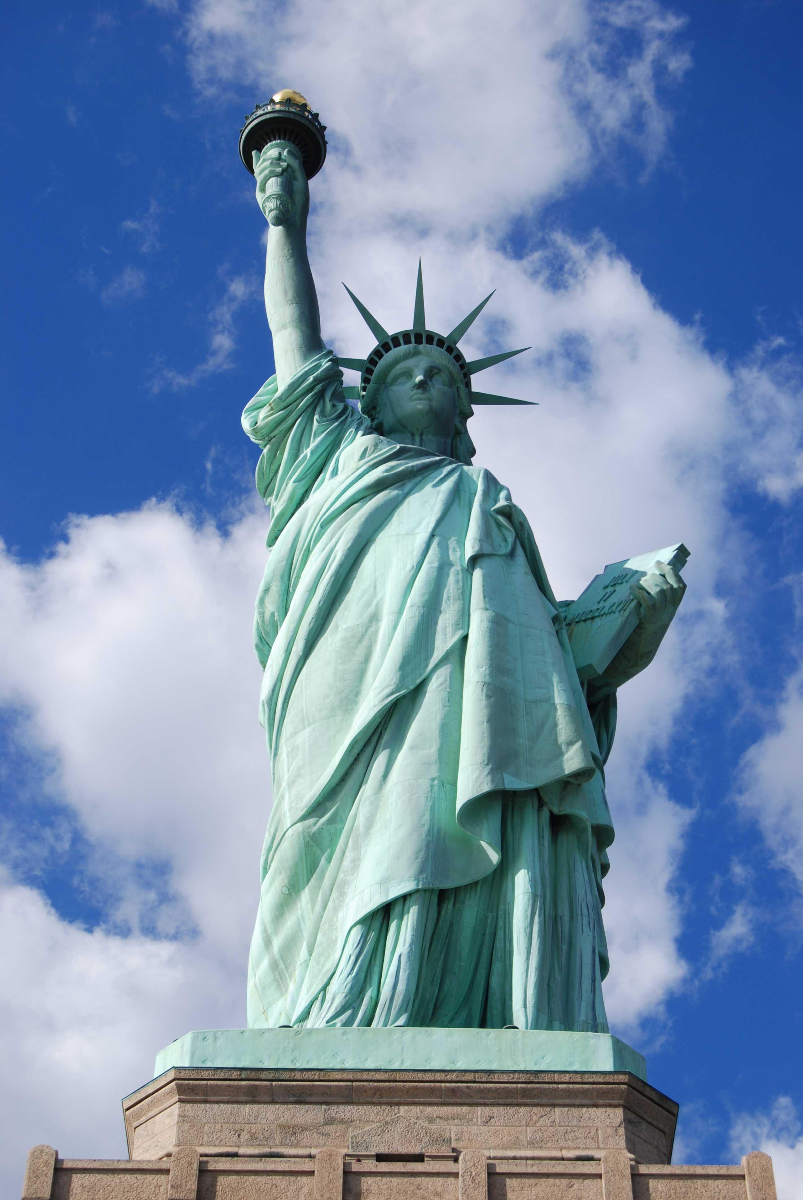 Und nochmal der blick auf die skyline, dieses mal mit der statue of